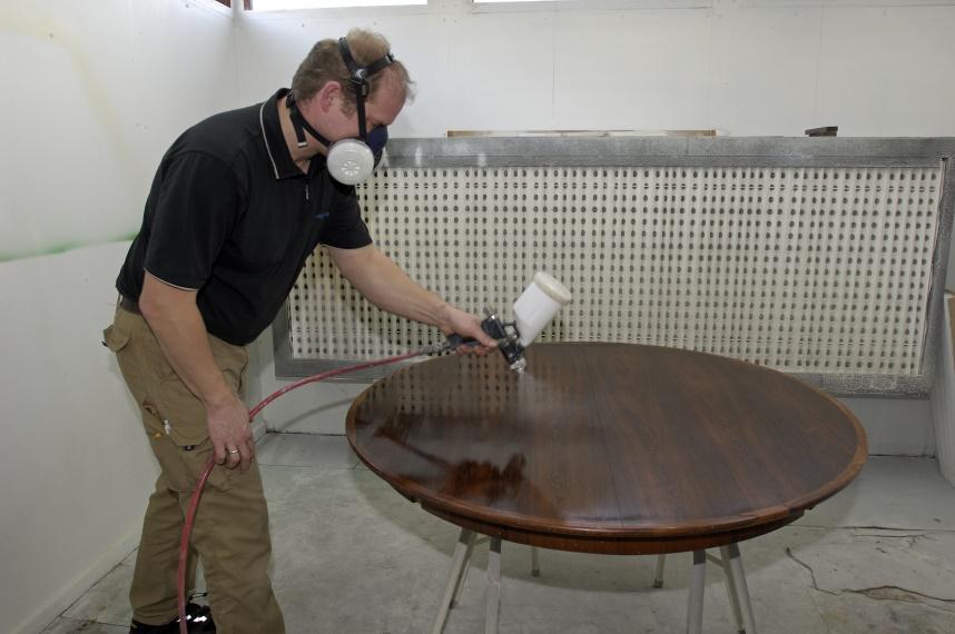 autolakering af møbler